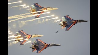 MAKS 2017: 'Russian Knights' aerobatics group stunning stunts (360 Video) - RUSSIATODAY