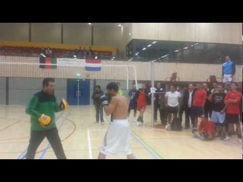 Noor A. Sakhizadah Training mit Hussain Ghulam in Holland, Rotterdam am 18.11.2012 .mp4