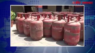 video : सिलेंडरों से गैस चोरी करने वाला व्यक्ति काबू