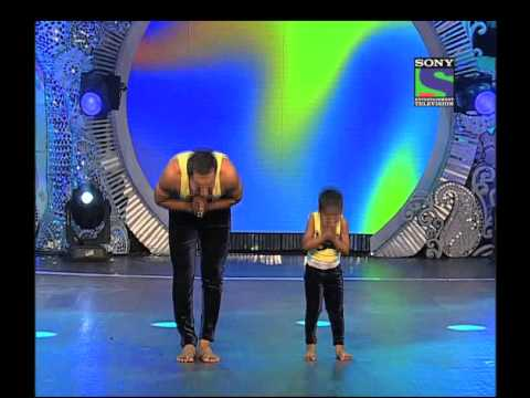 An exciting performance by Baidyanath and Dev - Episode 17
