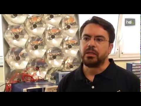 HDL Científicos de Jaén crean una placa solar que genera el triple de energia que las convencionales