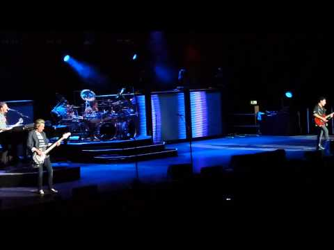Journey - Edge of the Moment (Live in Dublin 2011) (HD)