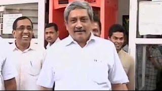 Defence Minister Monohar Parrikar meant IK Gujral in 'former PMs' bombshell: Sources - NDTV