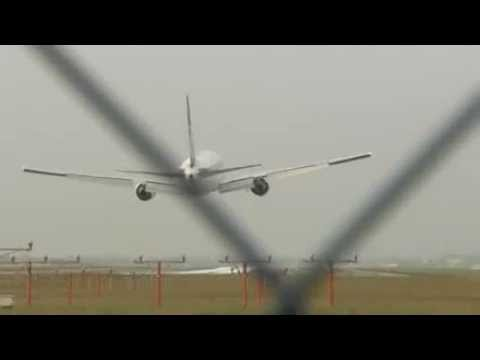 LOT Boeing 767 Emergency Landing (no landing gear) at EPWA (Warsaw-Poland) 01.11.2011