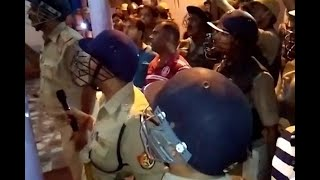 Lucknow: Violence erupts between two groups over burning firecrackers - ABPNEWSTV
