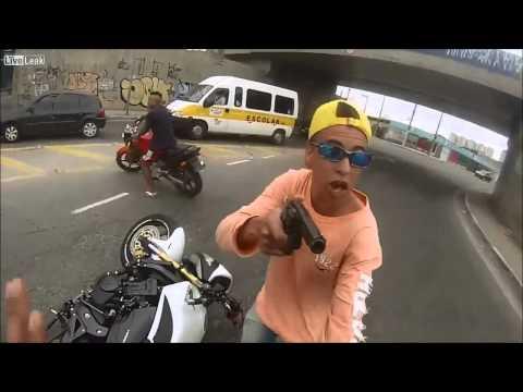 Vítima filma roubo e mostra PM atirando em ladrão na zona leste de SP
