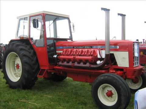 some vintage tractors at the NPC 2009