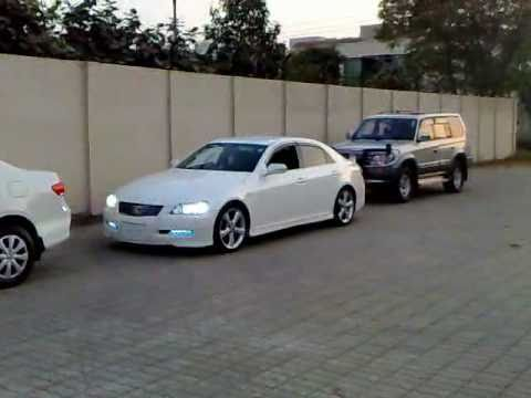 Toyota Mark X Auto Park (swearing muted)