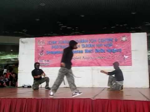 HIP HOP DANCE - YOUTH DAY 2010 -  melayu boleh!!