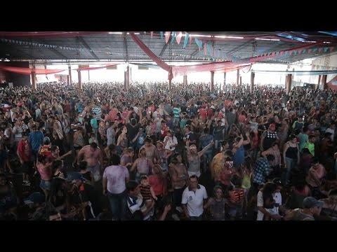Familias completas bailaron al ritmo del carnaval
