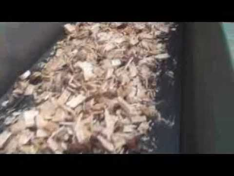 Picador de Cavaco Lippel PTL 240x600 - Picando Resíduos de Serrarias