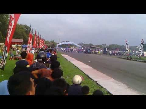 Race Vespa Class FFA FINAL IMI PANCING CIRCUIT 24 11 2013