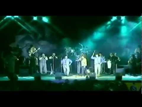 Orquesta Hermanos Flores, (4 Mezclas Inolvidables)