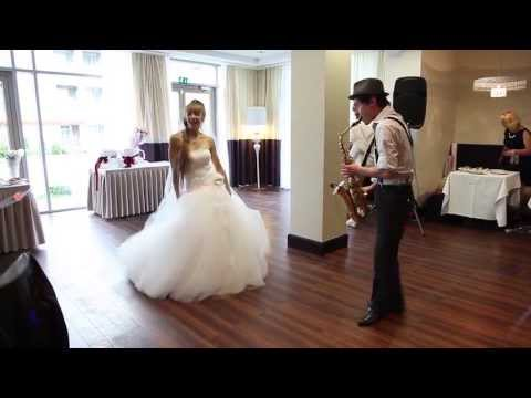 Духовой инструмент саксофон по-своему умеет передавать дух музыки