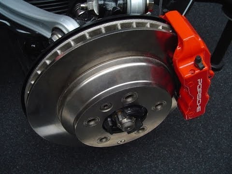 Removing brake shoe opel -Demontage patin de frein -وسادة تفكيك الفرامل
