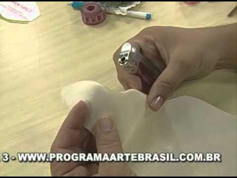 ARTE BRASIL -- VALÉRIA SOARES -- ALMOFADA DE CETIM (09/03/2011 - Parte 1 de 2)