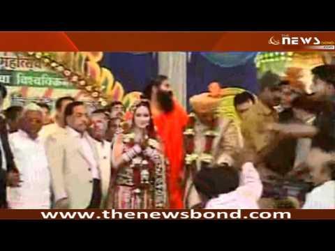 Navneet Kaur Weds MLA Ravi Rana in Mass Marriage