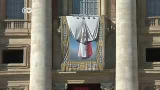Catholic Church still divided on gays and divorcees   Journal - DEUTSCHEWELLEENGLISH