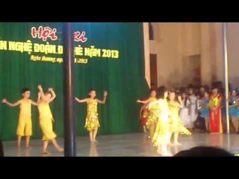 Tiết mục hát múa cua thiếu nhi k7 2013