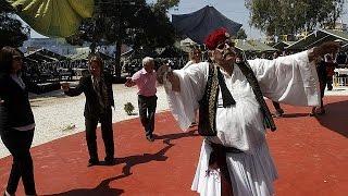 وزارة الدفاع اليونانية تقيم مائدة للفقراء بمناسبة عيد الفصح