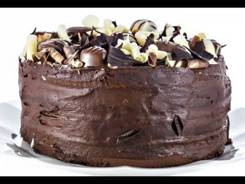 Eggless Chocolate Cake (with Chocolate frosting)
