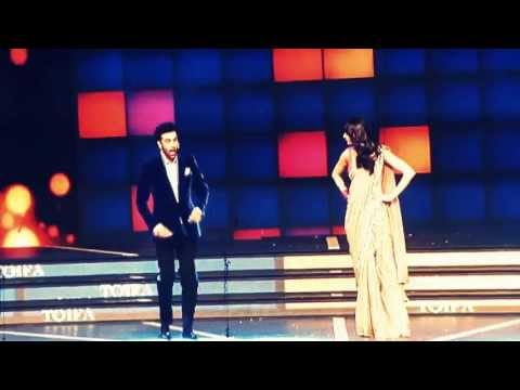 Great act of Ranbir and Anushka  imitating Bollywood actors in TOIFA 2013