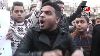 بالفيديو.. مشادة في وقفة دوران شبرا: «مخدناش تصاريح، مفيش تصاريح على الدم» | المصري اليوم