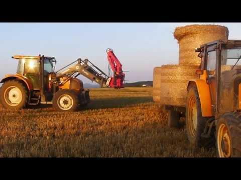 Ramassage balles rondes -  tracteurs Renault ceres & Ares 626 RZ