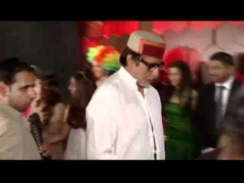 Rekha bonds with the Bachchans