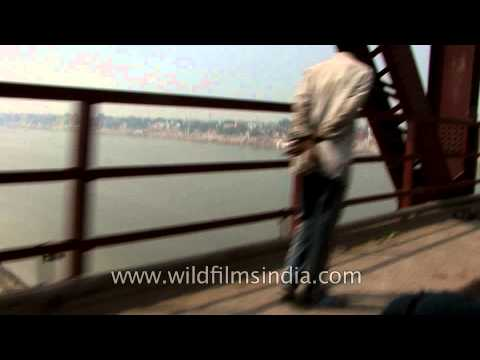 Driving through the upper deck of Malviya Bridge, Varanasi