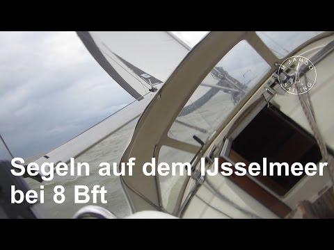 Segeln auf dem Ijsselmeer bei 8 Bft