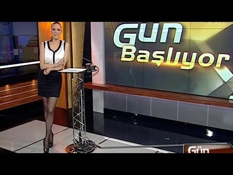Simge Fıstıkoğlu Beautiful Turkish Tv Presenter 11.04.2012