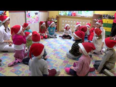 Tak wygląda wizyta świętego Mikołaja w przedszkolu.