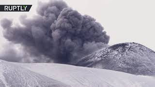 Italy's mount Etna emitting volcanic ash - RUSSIATODAY