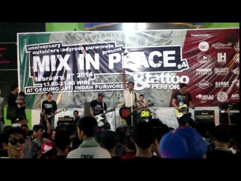 Broken Rose - Queen of The Night (live at Purworejo)