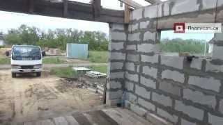 Деревянный пол в гараже, проверка грузовиком