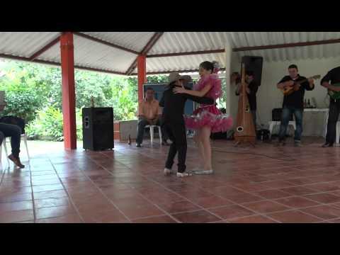 Joropo - Pareja de Baile de Castilla la Nueva