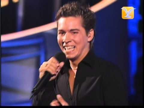 Óscar Patiño, Definitivamente Solo, Festival de Viña 2004, Competencia Internacional