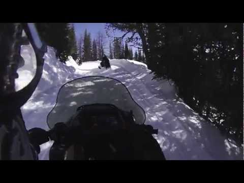 Snowmobiling in Panorama (Canada) March 2013