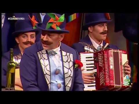 La agrupación El tango se escribe con tiza llega al COAC 2019 en la modalidad de Coros. En años anteriores (2018) concursaron en el Teatro Falla como Y sin embargo, te quiero, consiguiendo una clasificación en el concurso de Cuartos de final.