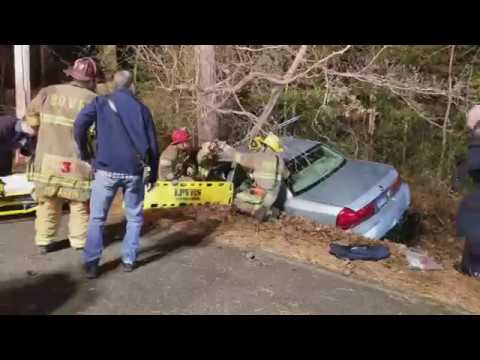 Vehicle into tree sends one to Trauma Center ©TheBaynet.com 10-16-2017