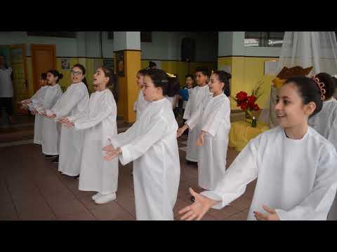 Apresentação em Comemoração ao Mês da Bíblia - 3º Ano