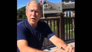 بالفيديو.. جورج بوش الابن يشارك في مبادرة «دلو الثلج» ويتحدى «كلينتون»   | المصري اليوم
