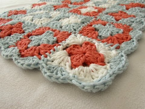 How to crochet a BEGINNER'S mini granny square blanket