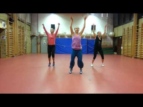 Zumba routine to Shake it off