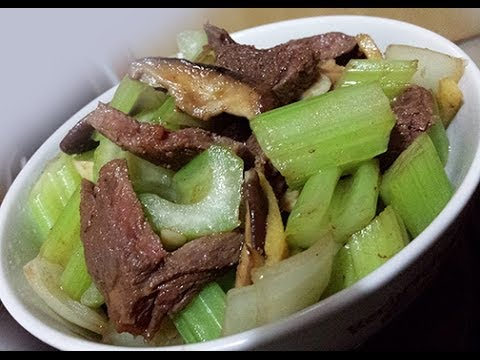 ASMR - Eating Stir-fry Beef With Celery