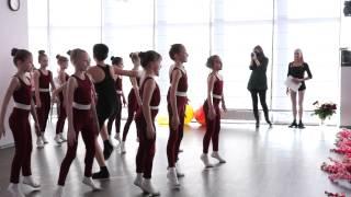 Открытый урок в школе танцев UNI-GYM, шоу-группа