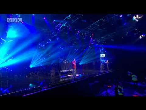 "J.Cole ""Power Trip (Live At BBC Radio 1's Big Weekend)"" Video"