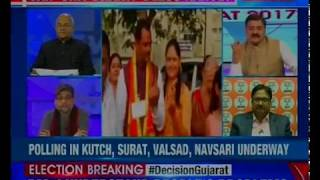 Gujarat Polls 2017 Phase 1:Group of Patidars protest as BJP's Reshma Patel arrives to cast her vote - NEWSXLIVE