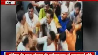 Mumbai: Clash breaks out between police and pandal volunteers at Lalbaugcha Raja - ITVNEWSINDIA